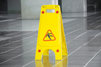 La prévention des chutes par glissade et par trébuchement (CCHST) Online Training Course